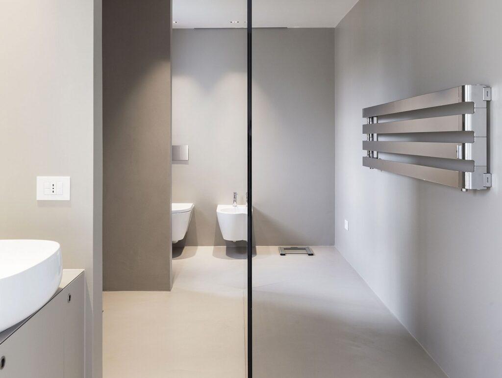Idee alternative per rivestire il tuo bagno: la resina